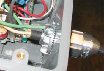Photo 3. Bonding of metallic connector