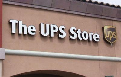 Photo 2. Store signage